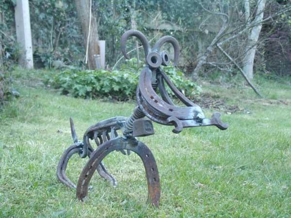 sticks-and-stones-horseshoe-dog